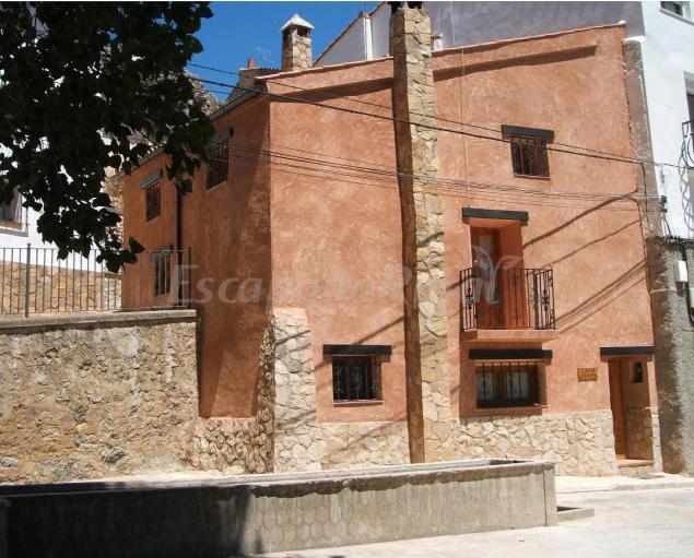 Casa la fuente casa rural en el vallecillo teruel - Casas rurales fuente el ojico ...