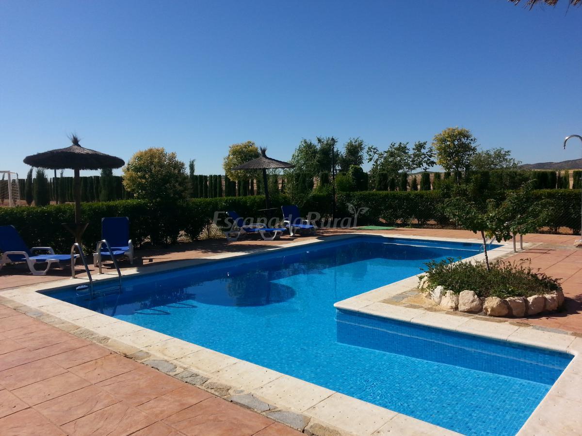 Fotos de casa rural villanova casa rural en villanueva de bogas toledo - Casa rural toledo piscina ...