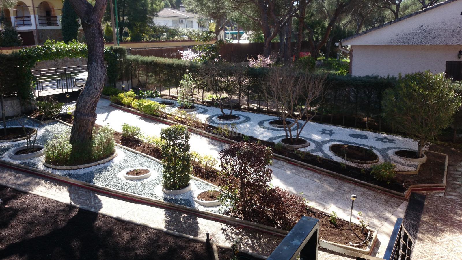 Fotos de la casona del pinar de almorox casa rural en - La casona del jardin ...
