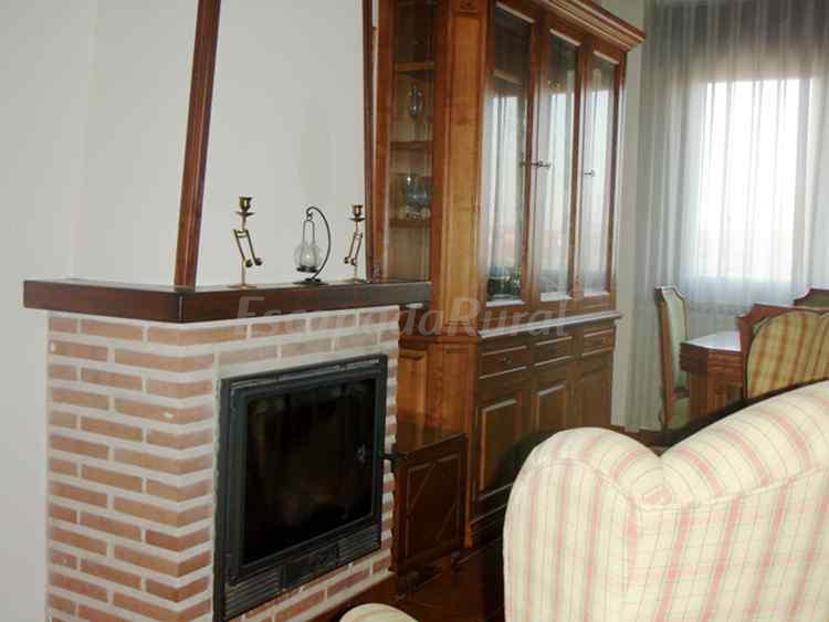 Fotos de la casa del mueble casa de campo em sonseca for Casa del mueble