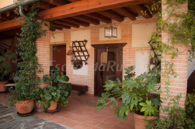 Fotos de casa rural la se orita casa rural en el carpio - Fachadas rusticas castellanas ...