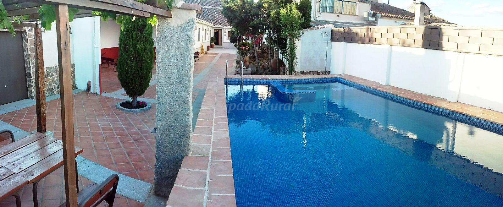 Fotos de casa rural la perdiz dorada casa rural en casasbuenas toledo - Casa rural toledo piscina ...