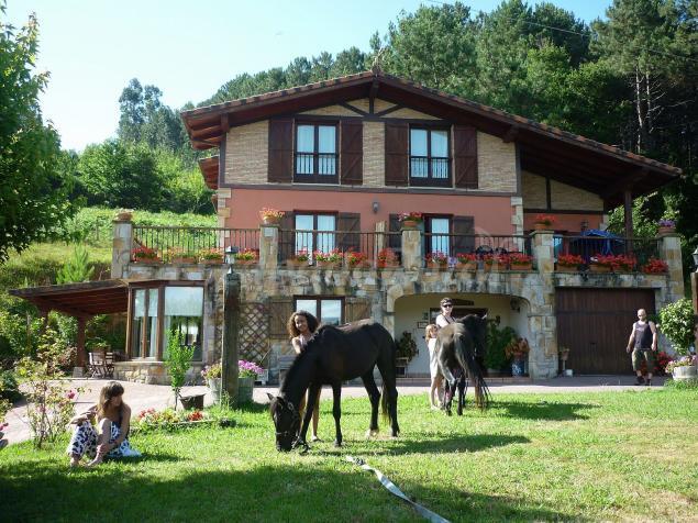 Goiena casa rural en mungia vizcaya - Casas rurales pais vasco alquiler integro ...