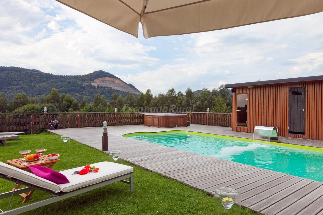 Las casas de ea astei casa rural en ea vizcaya for Casas rurales alicante con piscina