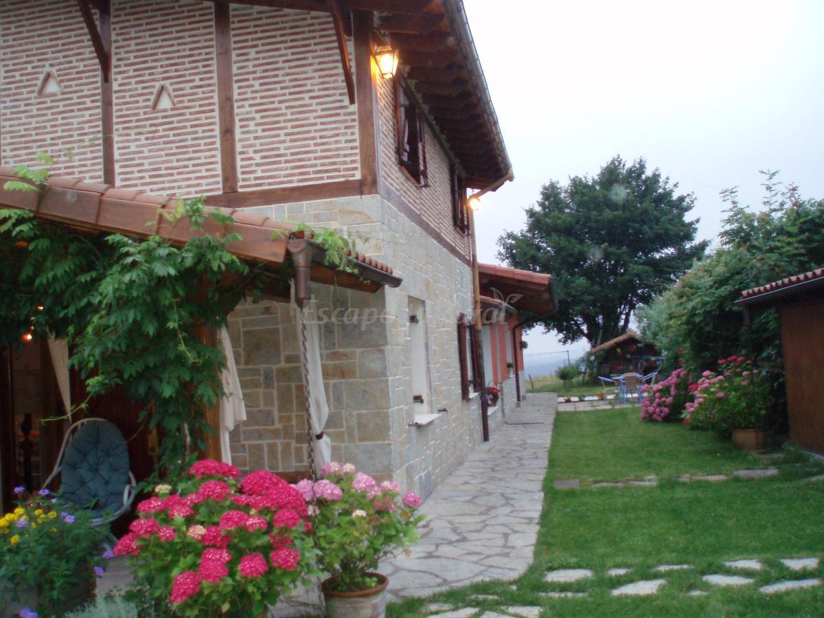 Fotos de patxikoren etxea casa rural en orozko vizcaya - Casa rural orozko ...