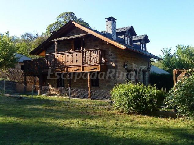 La era casa rural en villarino de sanabria zamora - Casa rural para 2 ...