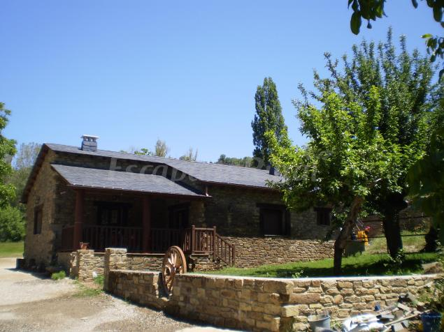 Casa rural el molino de botero casa rural en san justo for Casa rural casa jardin