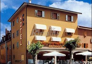 Hotel musolesi casa rural en madonna dei fornelli bologna for Hotel dei commercianti bologna