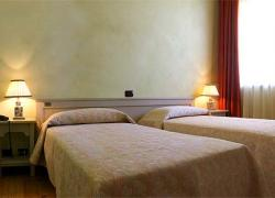 Hotel Borgo Nuovo : Hotel borgonuovo casa rural en marene cuneo