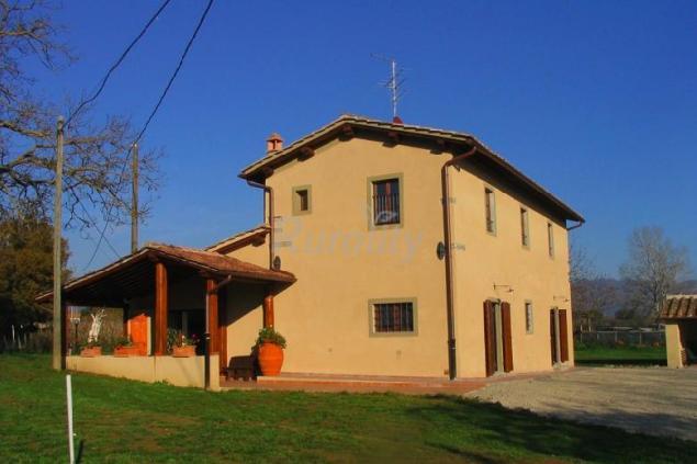 Agriturismo collina casa rural en borgo san lorenzo firenze - Piscina borgo san lorenzo ...