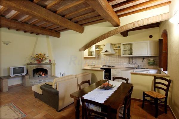 Foto di podere peteglia casa rural en castel del piano for Immagini del piano casa gratis