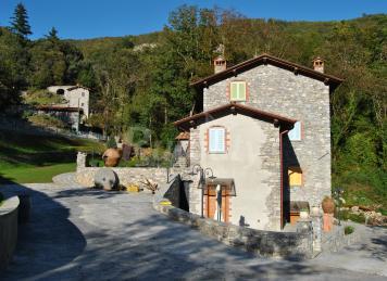Borgo i mulinetti casa vacanze alucca lucca for Fabbriche mobili opinioni