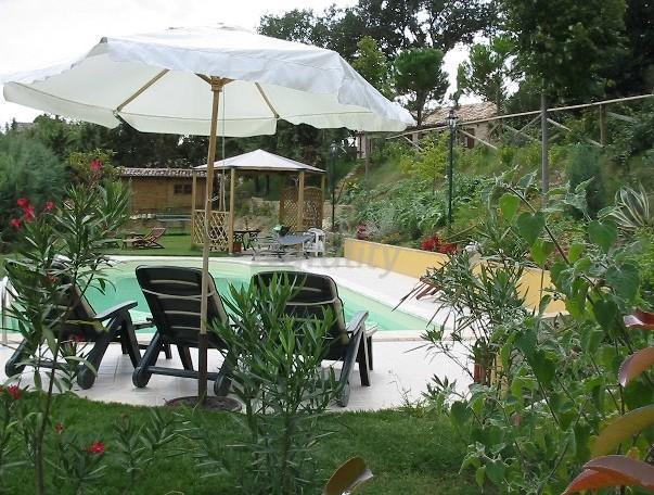 Foto di il giardino dei ciliegi casa rural en morrovalle macerata - Agriturismo il giardino dei ciliegi ...