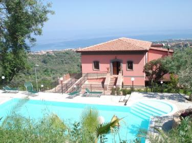 Agriturismo Red Hotel  (Messina)