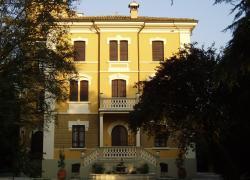Agriturismo piscina Reggio Emilia