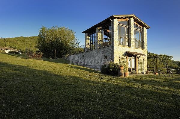 Il fienile di orazio casa rural en monte san giovanni in for Fienile casa piani casa