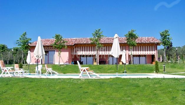 Agriturismo il melograno casa rural en bardolino verona - Agriturismo bardolino con piscina ...
