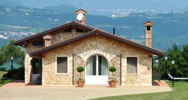 Casa fiore casa rural en altavilla vicentina vicenza for Piani di casa contemporanea in collina